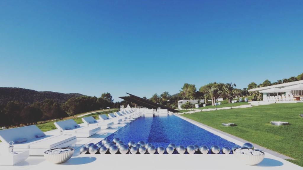 Villa titanium - Private Security Ibiza.